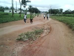 La voie principale de Zikisso (Olirédou) en venant de Djidji