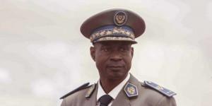 Gilbert Diendéré à l'aéroport de Ouagadougou, le 18 septembre 2015. © Theo Renaut / AP / SIPA
